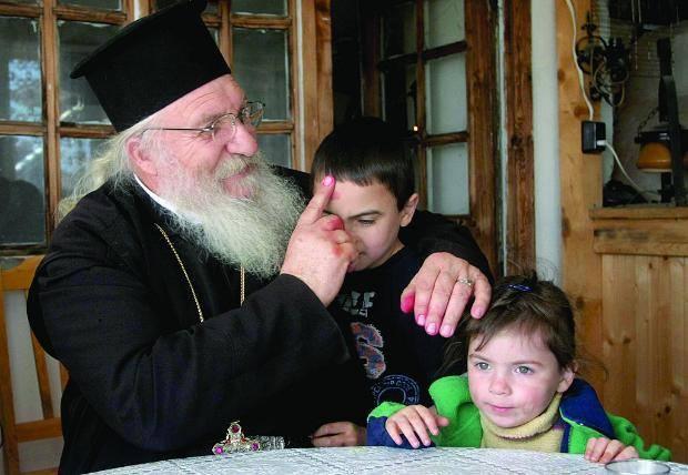 На всеки му ще се въздаде според делата му! Вижте за отец Иван от Нови Хан!