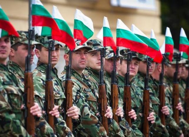 Всички пълнолетни мъже ще бъдат вписвани в запаса на армията