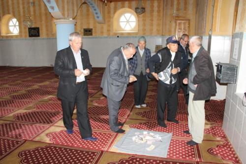 """Мюсюлмани от Ардино събраха средства за лечението на отец Марин от храма в """"Резбарци"""""""