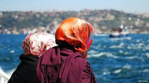 За голяма част от турците традиционното облекло е незаменимо