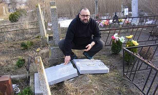 Гробът на бащата на Стефан Пройнов !