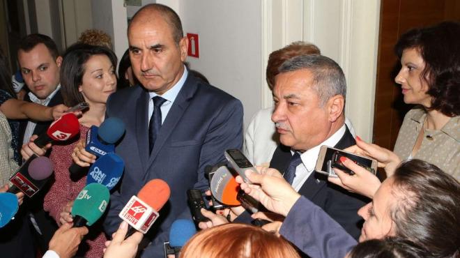 Цветанов не спира да защитава Валери Симеонов